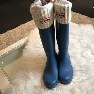 HUNTER BOOTS WITH SOCKS.